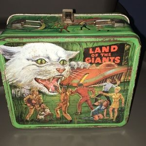 VIntage Land Of the GiaNtS lunchbox metal